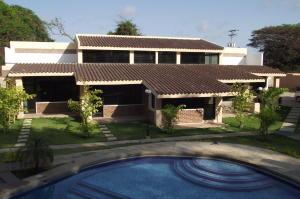 Townhouse En Venta En Rio Chico, Los Canales De Rio Chico, Venezuela, VE RAH: 16-6352
