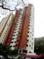 Apartamento En Venta En Valencia, Las Chimeneas, Venezuela, VE RAH: 16-2245