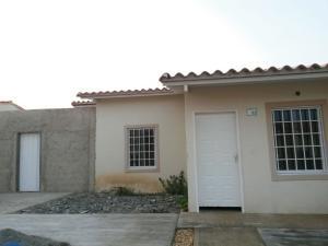 Casa En Venta En Guacara, Ciudad Alianza, Venezuela, VE RAH: 16-6444