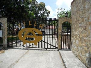 Casa En Venta En Guatire, Las Barrancas, Venezuela, VE RAH: 16-6499