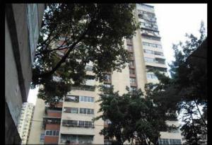 Apartamento En Venta En Caracas, Parroquia Santa Rosalia, Venezuela, VE RAH: 16-6473