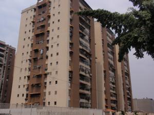 Apartamento En Venta En Maracay, Parque Aragua, Venezuela, VE RAH: 16-6551