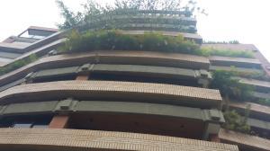Apartamento En Venta En Caracas, Campo Alegre, Venezuela, VE RAH: 16-6753