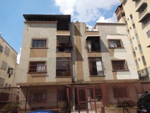 Apartamento En Venta En Caracas, Santa Monica, Venezuela, VE RAH: 16-6582