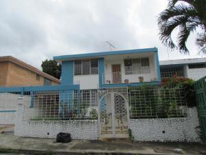 Casa En Venta En Caracas, El Marques, Venezuela, VE RAH: 16-6618