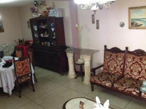 Casa En Venta En Maracaibo, Circunvalacion Dos, Venezuela, VE RAH: 16-6634