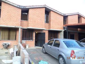 Casa En Venta En Guarenas, Nueva Casarapa, Venezuela, VE RAH: 16-6655