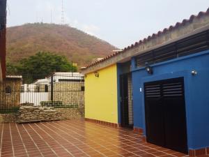 Casa En Venta En Valencia, Trigal Centro, Venezuela, VE RAH: 16-6670