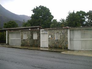 Casa En Venta En Maracay, El Castaño (Zona Privada), Venezuela, VE RAH: 16-6668