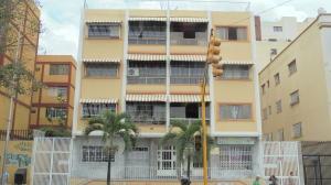 Apartamento En Venta En Caracas, Las Acacias, Venezuela, VE RAH: 16-6703