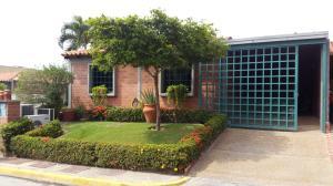 Casa En Venta En Guatire, El Castillejo, Venezuela, VE RAH: 16-6693