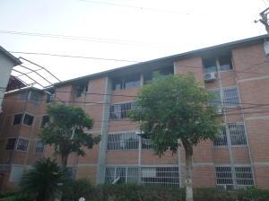 Apartamento En Venta En Guatire, Valle Arriba, Venezuela, VE RAH: 16-6740