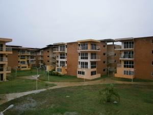 Apartamento En Venta En Guatire, Valle Arriba, Venezuela, VE RAH: 16-6844