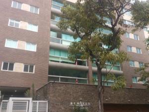 Apartamento En Venta En Caracas, Los Naranjos De Las Mercedes, Venezuela, VE RAH: 16-6772