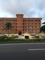 Apartamento En Venta En Tucacas, Tucacas, Venezuela, VE RAH: 16-6776
