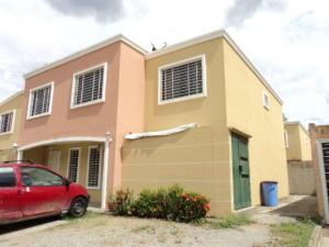Casa En Venta En Guatire, Villa Heroica, Venezuela, VE RAH: 16-6782
