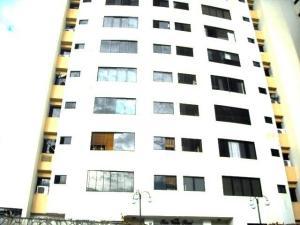 Apartamento En Venta En Valencia, El Bosque, Venezuela, VE RAH: 16-6790