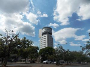 Oficina En Venta En Valencia, El Parral, Venezuela, VE RAH: 16-6798