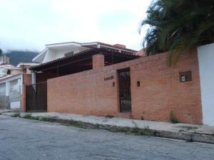 Casa En Venta En Maracay, El Castaño (Zona Privada), Venezuela, VE RAH: 16-7402