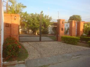Casa En Venta En Cabudare, Parroquia José Gregorio, Venezuela, VE RAH: 16-6801