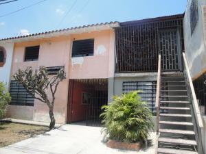 Casa En Venta En Valencia, Los Sauces, Venezuela, VE RAH: 16-6806