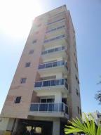 Apartamento En Venta En Higuerote, Puerto Encantado, Venezuela, VE RAH: 16-6846