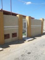 Casa En Venta En Punto Fijo, Guanadito, Venezuela, VE RAH: 16-6814