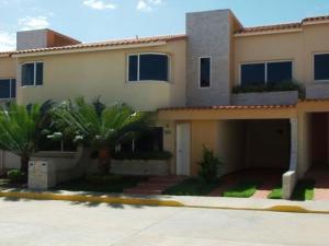 Casa En Venta En Cabudare, Parroquia Agua Viva, Venezuela, VE RAH: 16-6817