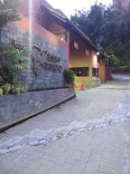 Townhouse En Venta En Caracas, La Tahona, Venezuela, VE RAH: 16-6853
