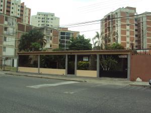 Casa En Venta En Maracay, Los Caobos, Venezuela, VE RAH: 16-6866