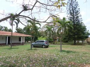 Terreno En Venta En Valencia, Sabana Del Medio, Venezuela, VE RAH: 16-6884