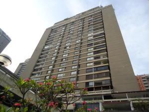 Apartamento En Venta En Caracas, Prado Humboldt, Venezuela, VE RAH: 16-6952