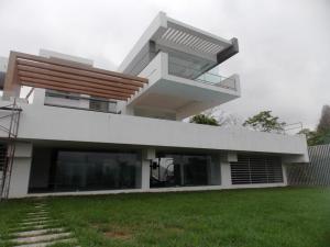 Casa En Venta En Valencia, Terrazas Del Country, Venezuela, VE RAH: 16-6925