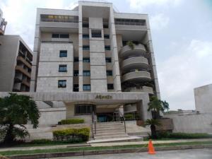 Apartamento En Venta En Valencia, Terrazas Del Country, Venezuela, VE RAH: 16-6928