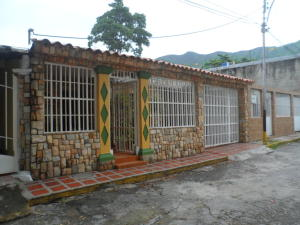 Casa En Venta En Maracay, La Cooperativa, Venezuela, VE RAH: 16-7089