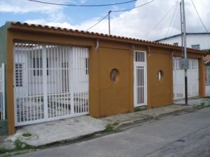 Casa En Venta En Guacara, Ciudad Alianza, Venezuela, VE RAH: 16-3828