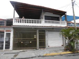 Casa En Venta En Guatire, Valle Arriba, Venezuela, VE RAH: 16-7034