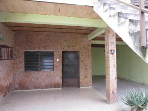 Casa En Venta En Maracay, La Coromoto, Venezuela, VE RAH: 16-7046