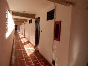Apartamento En Venta En Caracas - Los Samanes Código FLEX: 16-7065 No.2