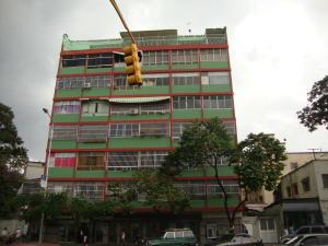 Apartamento En Venta En Caracas, Las Acacias, Venezuela, VE RAH: 16-7067