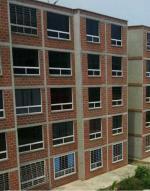Apartamento En Venta En Parroquia Carayaca, Sector Las Salinas, Venezuela, VE RAH: 16-7123