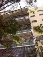 Apartamento En Venta En Caracas, Las Acacias, Venezuela, VE RAH: 16-7108