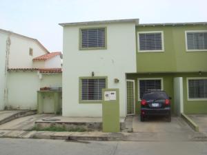 Casa En Venta En Cabudare, Parroquia José Gregorio, Venezuela, VE RAH: 16-7731