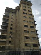 Apartamento En Venta En Caracas, Santa Monica, Venezuela, VE RAH: 16-7212