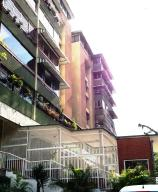 Apartamento En Venta En Caracas, Santa Fe Norte, Venezuela, VE RAH: 16-7233