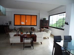 Apartamento En Venta En Caracas - Los Palos Grandes Código FLEX: 16-7272 No.4