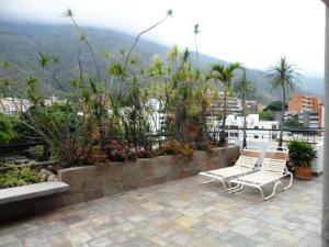 Apartamento En Venta En Caracas - Los Palos Grandes Código FLEX: 16-7272 No.16