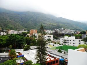 Apartamento En Venta En Caracas - Los Palos Grandes Código FLEX: 16-7272 No.1