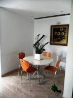 Apartamento En Venta En Caracas - Los Palos Grandes Código FLEX: 16-7272 No.17