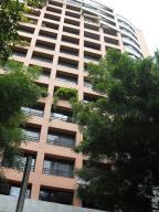 Apartamento En Alquiler En Caracas, El Rosal, Venezuela, VE RAH: 16-7434